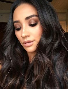 Shay Mitchell's Makeup Artist Used This $4 Drugstore Shadow to Create Her Awesome Smoky Eye | http://allure.com