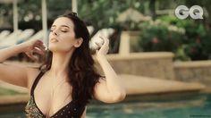 Evelyn Sharma Hot Bikini Cleavage