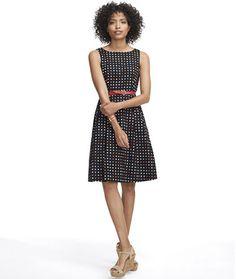 Women's The Signature Poplin Dress, Dot Dot Dress, Dress Skirt, Pretty Dresses, Dresses For Work, Dots Free, Outdoor Apparel, Poplin Dress, Winter Outfits Women, Timeless Fashion