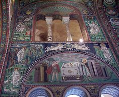 compare and contrast byzantine and romanesque architecture