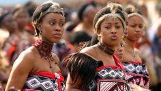 Senteni Masango (37 años) era una de las quince mujeres del rey de Suazilandia, Mswati III.- El Muni. La octava esposa del rey Mswati, Senteni Masango (37 años), conocida como Inkhosikati LaMasango, se suicidó , aparentemente tras sufrir una depresión....