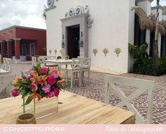 Centro de mesa para cocktail.  Misa de Consagración, El Pueblito, Mayakoba, Riviera Maya.
