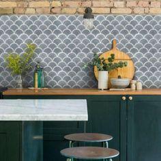 kitchen splashbacks Kitchen tile ideas Tile ideas for your kitchen splashback, walls and floors Grey Mosaic Tiles, Wall Tiles, Kitchen Linens, Kitchen Chairs, Kitchen Decor, Scallop Tiles, Fish Scale Tile, Green Colour Palette, Fish Scales