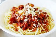 This traditional pork and beef ragu goes best with spaghetti for an easy meal. Pork Recipes, Gourmet Recipes, Cooking Recipes, Healthy Recipes, Spagetti Recipe, Spaghetti Sauce, Beef Chops, Hungarian Recipes, Food Print