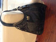 AUTHENTIC COACH PURSE Black Madison Leather Maggie
