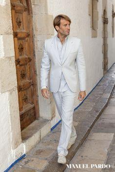 Linen suit for beach wedding