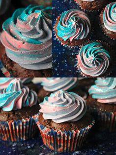 wohoo: Johannas Dr Who Cupcakes sehen wirklich aus als wären sie eben mit der Tardis eingeflogen worden