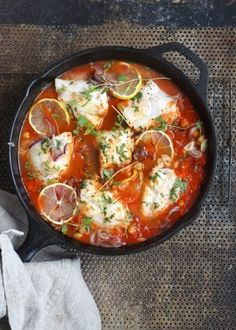 One pot wonder - lettvint gryterett - Mat På Bordet Korean Food Kimchi, One Pot Wonders, Kimchi Recipe, Healthy Vegetables, Hot Pot, Recipes From Heaven, Fish Recipes, Korean Recipes, Fish And Seafood