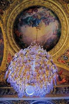 See photos of the Palace of Versailles and gardens in Paris, France. Amazing Architecture, Architecture Details, Chandelier Lighting, Chandeliers, Palace Of Versailles, Cathedral Church, Paris Photos, Marie Antoinette, Eye Candy