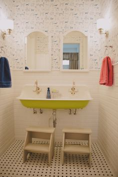 Children's bathroom- this Jack and Jill space is so fun! The vintage reproduction sink defiantly becomes the focal point- the bottom is painted in a bright green. The classic black and white floor tile and subway tile half way up… Continue Reading → Childrens Bathroom, Bathroom Kids, Kids Bath, Small Bathroom, Little Boy Bathroom, Bathroom Black, Bathroom Floor Tiles, Bathroom Wallpaper, Jack Und Jill