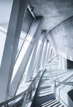 Interior of the Mercedes Benz Museum UN Studio, photography by Michael Schnell 2006
