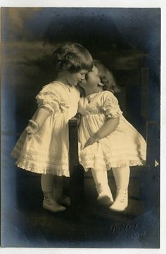 vintage photo two little girls 1915