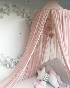 Hanging Mesh Ball Decor Pendant - Blush Pink (D-51)