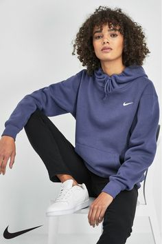 Buy Nike Essential Fleece Oversized Hoody from the Next UK online shop - Womens Nike Sportswear Essential Fleece Hoody – Purple Source by skapuze - Cute Comfy Outfits, Lazy Outfits, Teenage Outfits, Sporty Outfits, Trendy Outfits, Fashion Outfits, Fashion Fashion, Runway Fashion, Fashion Trends