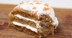 Vegan Hummingbird Cake with Pineapple and Coconut Icing - Trend Cake Toppings 2019 Pear Recipes, Cake Recipes, Vegan Mug Cakes, Coconut Icing, Hummingbird Food, Pineapple Cake, Lunch Snacks, Cake Toppings, Healthy Baking