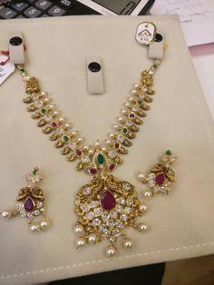 Gold Necklace Simple, Short Necklace, Gold Earrings, Gold Wedding Jewelry, Gold Jewellery, India Jewelry, Jewelry Sets, Mango Mala, Indian Rangoli