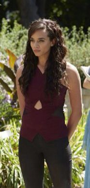 "Hannah John-Kamen as Dutch in ""Killjoys"""