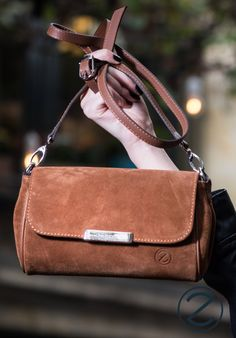 The easy bag for everyday use! Soft calve leather and long crossbody strap! Easy Bag, Simple Bags, Bag Accessories, Leather Bag, Calves, Handbags, Women's, Baby Cows, Tone Calves