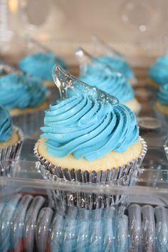 Cinderella cupcakes by Cupcake Bliss #PintoWin #NapoleonPerdis #Cinderella