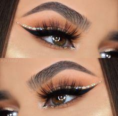 @krimd_ wearing lashes in style MAJESTY #ritzyMAJESTY #ritzycosmetics #ritzyco   #lashes #lashesonfleek #makeupartist #makeup #makeuplover #makeupjunkie  #beauty #beautyblogger