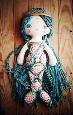Sirena. Muñeca de tela. Juguete hecho a mano por UrsulaNieto