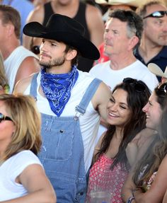 Ashton Kutcher and Mila Kunis were all about the country at Stagecoach!