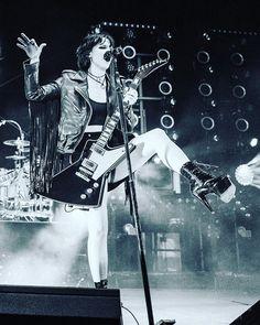 Liez y Hale/ Halestorm Breathe Carolina, Heavy Metal Girl, Lzzy Hale, Mayday Parade Lyrics, Memphis May Fire, The Amity Affliction, Alan Ashby, La Dispute, Austin Carlile