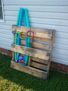 Pallet for the pool