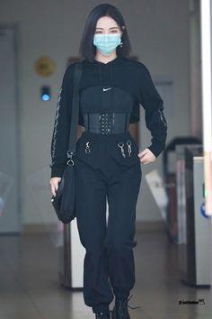 Kpop Fashion Outfits, Edgy Outfits, Korean Outfits, Mode Outfits, Grunge Outfits, Cute Casual Outfits, Egirl Fashion, Fashion 2020, Mode Emo