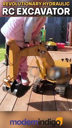 Cool Gadgets To Buy, Gadgets And Gizmos, Creepy Halloween Decorations, Hydraulic Excavator, Mini Excavator, Cool Inventions, Home Repair, Cool Gifts, Move Forward