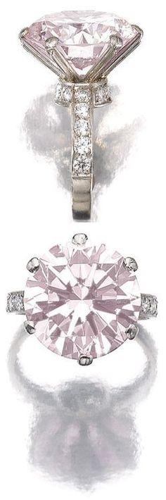 Idée et inspiration Bague Diamant :   Image   Description   Fancy light pink diamond ring