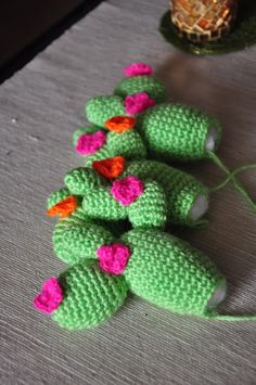 Crochet Dishcloths, Crochet Stitches, Crochet Patterns, Crochet Cactus, Crochet Flowers, Cactus Cupcakes, Free Crochet, Knit Crochet, String Of Pearls