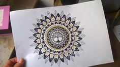 This kind of art has such a big meditative effect on me. In ❤ with Mandalas