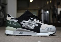 Solebox x Asics gel lyte III Unreleased Sample - Here is a rare look at an  unreleased Solebox x Asics Gel Lyte III sample. This Gel Lyte III has a  similar ... f94c34e15721