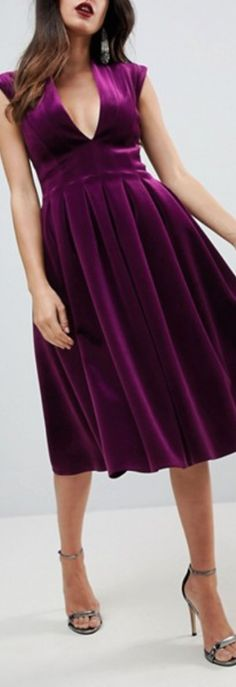 Color but not the top. Pretty Clothes, Pretty Outfits, Fall Wedding Attire, Newborn Babies, Cool Style, My Style, Holiday Fashion, Clothing Ideas, Mother Of The Bride