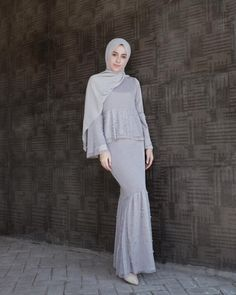 Hijab Prom Dress, Hijab Evening Dress, Hijab Wedding Dresses, Glam Dresses, Kebaya Hijab, Kebaya Dress, Dress Pesta, Blouse Dress, Dress Brokat Muslim
