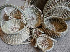 Tonya White, Laverne White, Daisey White and Mary Charles made these wonderful Rice Winnowing Baskets for Sweet Charleston Designs.