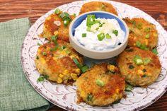 Chiftelute de cartofi cu ton Tuna Patties, Quick Easy Meals, Salmon Burgers, Hummus, Cooking Recipes, Easy Recipes, Breakfast Recipes, Health Fitness, Potatoes