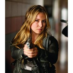 Falling Skies Margaret Sheep Skin Leather Jacket  	Falling Skies Margaret (Sarah Carter) Jacket is no doubt an amazing surprise for the fashion nerds. For all the ladies who silently urge to look gorgeous, smart and young at the same time need to try Sarah Carter jacket to mark a jaw dropping f
