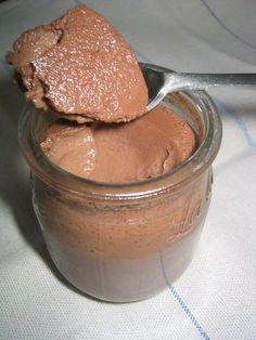 Je suis fan de chocolat mais pas de chocolat trop amer ni trop fort, cependant je n'aime pas les desserts au chocolat au lait.   je suis... Creme, Peanut Butter, Trinidad, Desserts, Kitchens, Lemon, Food, Tailgate Desserts, Deserts
