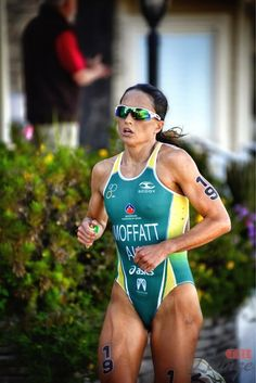 Aussie Olympian Emma Moffat giving her all at WTS San Diego!