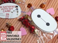 If your kids love Big Hero 6 as much as mine - then these Big Hero 6 and Baymax Valentines {Free Printables} will be perfect! #bighero6 #bighero6bloggers #disney