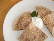 Haricots frits et quesadillas au fromage