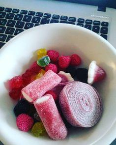 "3 To se mi líbí, 1 komentářů – @michellemelancholia na Instagramu: ""#diet #working"""