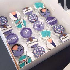 I want these!!! Sweet 16 Birthday, 20th Birthday, Birthday Parties, Grey's Anatomy Doctors, Unique Birthday Party Ideas, Nurse Cookies, Greys Anatomy Scrubs, Grey Anatomy Quotes, Fancy Cakes