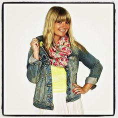 American Eagle Blog » How to Wear It: Fall Scarves