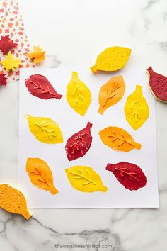 Leaf Sponge Painting Fall Crafts For Kids, Thanksgiving Crafts, Frog Crafts Preschool, Puff Paint, Sponge Painting, Leaf Crafts, Painted Leaves, Leaf Art, Fall Diy