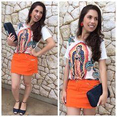 Meninas olhem essa t-shirt de nossa senhora de Guadalupe que lindaa + essa saia jeans tangerina destroyed w/ rasteira nobuck marinho Carol Camila modas e clucth couro tricê marinho  ♡   ••》Whatsapp 43 9148-2241  ☎  43 3254-5125.    Rua Rio Grande do Norte, 19 Centro - Cambé-Pr   Snap: lojacarolcamila   #lookcarolcamilamodas #tshirt #tee #trend #guadalupe #muitoamor #summerlovers #news #euqueroo #destroyed #clucth #shoesstyle #shoeslovers #carolcamilamodas