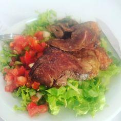 Quando precisar comer fora de casa sempre prefira comida de verdade  na falta de opção mantenha o básico que já ajuda muito!