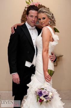 novios, boda, ramo, vestido de novia